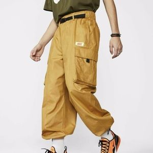 NIKE QUEST CARGO PANTS WHEAT
